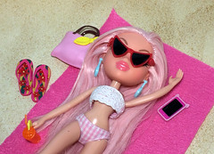 (Bubblegum18) Tags: bratz cloe kidz beach mga