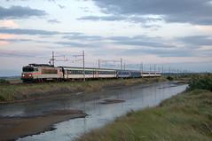 """Le """"Cte Vermeille""""  Port-la-Nouvelle (Trains-En-Voyage) Tags: sncfbb22200 sncf lunea cotevermeille portlanouvelle"""