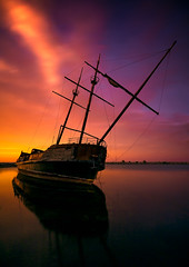 La Grande Hermine (Todd Murrison (Whitby61) off for a while) Tags: lagrandehermine jordanharbour ontario canada winetour july2016 canon6d canon1635 longexposure 25minutesexposure bhnd110filter goldenhour lakeontario summer shipwreck reflections niagararegion evening getaway 10stops toddmurrison