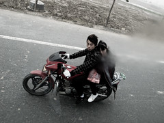 on road to wuzhen (-{ ThusOriginal }-) Tags: 2009 bike china color couple digital grd3 grdiii people ricoh street thusihaveseen winter wuzhen