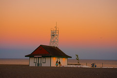 Leuty at dusk (synestheticstrings) Tags: toronto 2016 beaches beech leutylifeguardstation leuty thebeach boardwalk landscape dusk sunset summer lake lakeontario colour architecture kewbeach heritage heritagebuilding building lifeguardstation waterfront shore landmark
