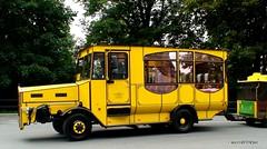 Bus zur Festung Knigstein (maxxuwe) Tags: dresden knigstein festung sachsen saxonia bus oldtimer