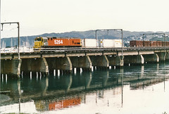 Paremata (andrewsurgenor) Tags: locomotive engine transport diesel nz newzealand train railway railroad narrowgauge rail nzr railfan