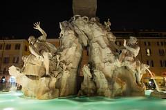 Roma by Night (15) (Yksel85) Tags: nikon rome roma italia piazzadispagna piazzanavona pantheon campidoglio colosseo teatromarcello foriimperiali imperoromano night bynight lungheesposizioni calcata gatto fontana sciee