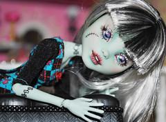 frankie repaint (datumzinebeautifulmemories) Tags: monster high doll colorfull ooak goth frankie frankenstien repaint