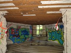 IMG_0776 copie (C&C52) Tags: landscape tags bunker paysage blockhaus patrimoine casemate arturbain peinturemurale