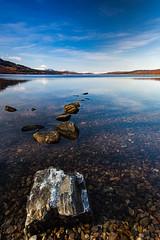 Loch Rannoch (Lukasz Lukomski) Tags: uk greatbritain sky lake snow reflection water clouds landscape scotland rocks unitedkingdom shore loch szkocja woda rannoch jezioro skay chmury niebo odbicie brzeg sigma1020 krajobraz snieg wielkabrytania nikond7200 lukaszlukomski