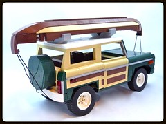 1974 Ford Bronco (Lino M) Tags: 1974 74 ford bronco wood paneling dark green tan brown boat canoe nature great outdoors woods field stream river lake cabin mother lego car truck lug nuts lino martins wooden