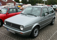 Golf Match (The Rubberbandman) Tags: wiesmoor vw volkswagen golf mk mark 2 ii match hatchback compact 80s car classic german germany meet mk2 vehicle vintage old fahrzeug auto linien outdoor