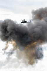 Boeing AH-64 Apache - Farnborough Air show 2016 (lennythelens) Tags: apache airshow helicopter boeing ah64 farnboroughairshow ah64apache boeingah64apache farnboroughairshow2016
