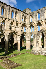 Rievaulx Abbey (20160731_6) (Graham Dash) Tags: rievaulx northyorkshire yorkshire rievaulxabbey abbeys ruins englishheritage architecture gothicarchitecture cistercians cistercianabbeys