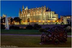 La Seu (Frabairod) Tags: travel tamron 7dii canon bluehour horaazul sunset atardecer malle majorca mallorca palma palmademallorca catedral catedraldepalma catedraldemallorca laseu