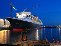 Queen Mary 2 by night (yann_cornec) Tags: saintnazaire canonpowershots45