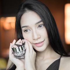 ขอบคุณ Blogger @sononui สำหรับรีวิว VILIV White Platinum Perfect Cream ครีมที่สกัดจากส่วนผสมระดับพรีเมี่ยมจากธรรมชาติอย่าง ทองคำขาว หอยเป๋าฮื้อ เมือกหอยทาก ใบบัวบก ดอกโบตั๋น ไวน์ สาหร่ายทั้ง 4 ชนิด วิตามิน B3 ที่บำรุงให้ผิวชุ่มชื่นสุขภาพดีจากภายใน  คุณนุ้