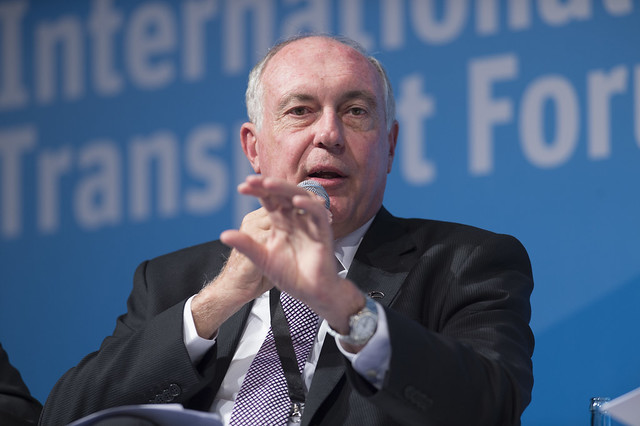 Warren Truss raising a point