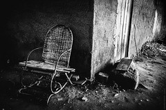 2015.0193 (Adriano Aquino) Tags: blackandwhite blancoynegro death sadness tristeza chair loneliness saudade going morte passing exit past passado pretoebranco cadeira absence partida ausência privation