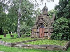 7976 Bremerhaven Friedhof (RainerV) Tags: 16071 bremen bremerhaven deu deutschland friedhof geo:lat=5351332326 geo:lon=859784245 geotagged grabmal mausoleum nikonp7800 rainerv wulsdorf