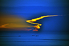 DSC_0505 Color of Sunrise West Pacific (tsuping.liu) Tags: outdoor ocean sky sea seaside sunrise lighting bright blue seascape twilight skyline