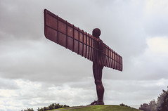 Angel of the North (Simon Clare Photography) Tags: angel north angelofthenorth newcastle art statue sculpture colour digital nikon d7200 people england explore english europe englishness british britain uk unitedkingdom gb greatbritain sclarephoto simonclare simoncphotography architecture