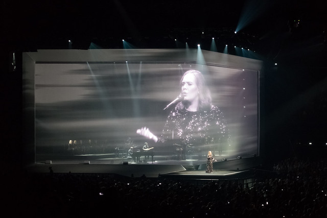 Adele - AccorHotels Arena, Paris (2016)