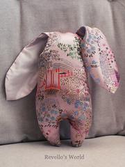 Zombie Bunny Tao (RD1630) Tags: zombie bunny hase toy plushie chinese silk spielzeug handmade handgemacht