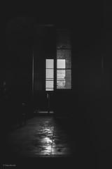 Buidor (Talan Burriel) Tags: blackwhite blancoynegro soledad ventana viejo