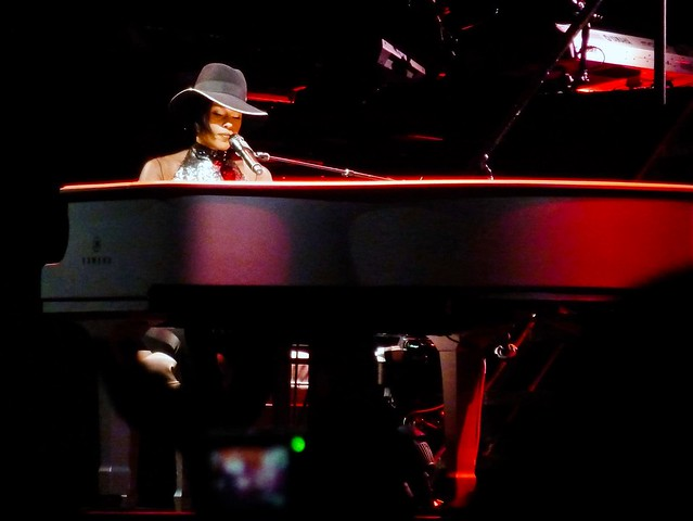 Alicia Keys - Set The World On Fire Tour - Bercy, Paris (2013)