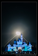 DSC08464 (YKevin1979) Tags: ilce7m2 a7ii a7mark2 a7m2 alpha sony hongkong disneyland disney    fe 2870 2870mm f3556 oss  sleepingbeautycastle     parade disneypaintthenight castle   fireworks disneyinthestars