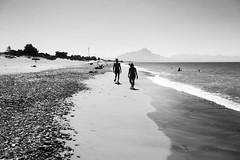 Lascari (Michele Platania) Tags: palermo sicilia cefal lascari mare spiaggia biancoenero bnw