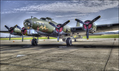 "Duxford - B17 ""Flying Fortress"" (Darwinsgift) Tags: duxford imperial war museum aircraft b17 bomber aeroplane plane sally b carl zeiss 35mm f2 distagon"
