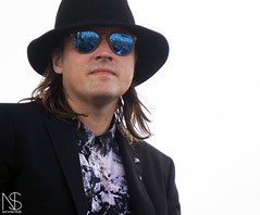 DJ Windows 98 / Win Butler of Arcade Fire (nicholasmsnyder) Tags: windows fire hall dj arcade band jazz 98 butler win hangout preservation regine chassagne hangoutmusicfest hangoutmusic