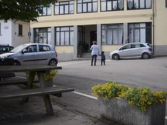 Acone_e-m10_1005065242 (Torben*) Tags: rawtherapee olympusomdem10 olympusm1442mmf3556iir italien italy toskana tuscany urlaub acone streetphotography street strasse aconepiazza