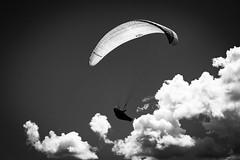 Up...up and away (desmokurt1) Tags: gleitschirm weisshorn arosa schanfigg suisse schweiz switzerland svizzera skyhimmel wolken cloud kurtessler bw sw fuji fujixt1
