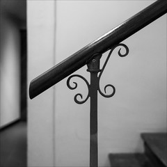 melbourne-0095-ps-w (pw-pix) Tags: room space stairs steps rail handrail banister wood steel decorative scrollwork wroughtiron wall walls shadows light shade bw blackandwhite interior architecturalfeature old classic manchesterhouse manchesterlane cbd melbourne victoria australia