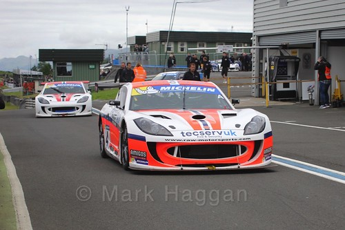 Grahame Tilley in the Ginetta GT4 Supercup at the BTCC Knockhill Weekend 2016