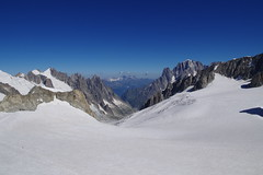 Ghiacciaio del Gigante (Riccardo Centis) Tags: skyway monte bianco mont blanc punta helbronner neve snow ghiaccio montagna ghiacciaio alpi valle daosta mer de glace glacier panorama valdigne