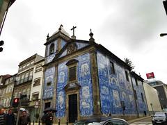 Capela das Almas (moley75) Tags: portugal church rain porto tiles april raining dull oporto azulejos capeladesantacatarina ruasantacatarina capeladasalmas ruadefernandestomás