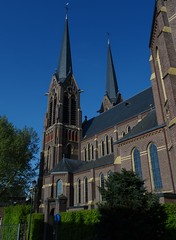 Sint-Johannes de Doper (1912-1913) Kaatsheuvel (Kvnivek) Tags: church netherlands sony towers cybershot kerk noordbrabant kaatsheuvel