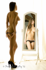 Kitti-0732 (Francesc Gonzlez) Tags: girl beautiful mirror nice bcn topless brunette lovely kittik