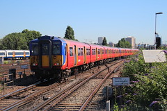 5863 (matty10120) Tags: west bus train south rail railway trains junction class clapham 455 transprot