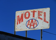 Peeling AAA (jimsawthat) Tags: williams arizona smalltown bypassed route66 motels vintagemotels decay vintagesigns