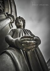 Cementerio Presbtero Maestro 2015 (CHIMI FOTOS) Tags: blanco canon y lima cementerio negro esculturas per bn muerte 7d terror 1022mm antiguo descanso