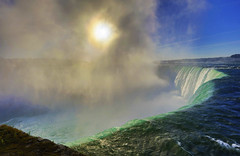 Niagara Falls : Morning sun is trying to come through . . . (Clement Tang **away**) Tags: niagarafalls horseshoefalls canada canadianside mist sun solar autumnmorning travel ontario southontario concordians closetonature sunglare grandemaregroup greenishwater riverscape waterscape landscape nature nationalgeographic handheldhdr naturalwonder scenicsnotjustlandscapes
