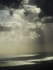Luce (WaterViolet) Tags: sea sky italy clouds nuvole mare calabria luce palmi
