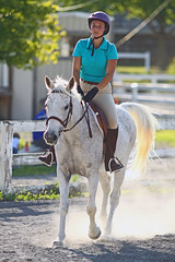 IMG_2564 (SJH Foto) Tags: horse show hunter jumper class girls teenage teen riders action shot tweens