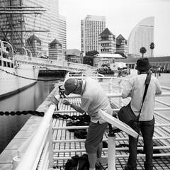 A PHOTO SESSION (Dinasty_Oomae) Tags:   agfa isolette isoletteiii   monochrome blackandwhite blackwhite bw outdoor kanagawa    yokohama nipponmaru   fullsail sailingship