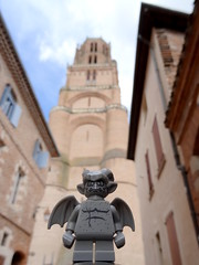 Gare aux gargouuuuuilles ! (AGUILA81) Tags: lego minifigs minifigures series14 monsters gargouille gargoyle albi cathedralestcecile