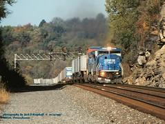 .CR 5633 TV2, mp 328.2 Manor, PA. 10-23-1997 (jackdk) Tags: train railroad railway signal signalbridge signals positionlight possitionlights prr prrsignals cr conrail emd emdsd60 emdsd60m sd60 sd60m pittsburghmainline tofc trailertrain tv2