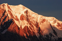 Mont Blanc at Sunrise (a galaxy far, far away...) Tags: montagna mountain montebianco montblanc alps alpine alpi sunrise enrosadira alpenglow alba dawn outdoor shining robertobertero canon glaciers snow atmosphere mood beauty highmountain
