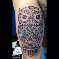 Cool owl I did tonight!! #blacktattoo #dotwork #mandala #mandalatattoo #dots #linework #sacredgeometry #yogatattoos #energytattoo #ink #inked #tattooartist #geometrychaos #owl #owltattoo #tattoosbyscottwhite #visualvortex
